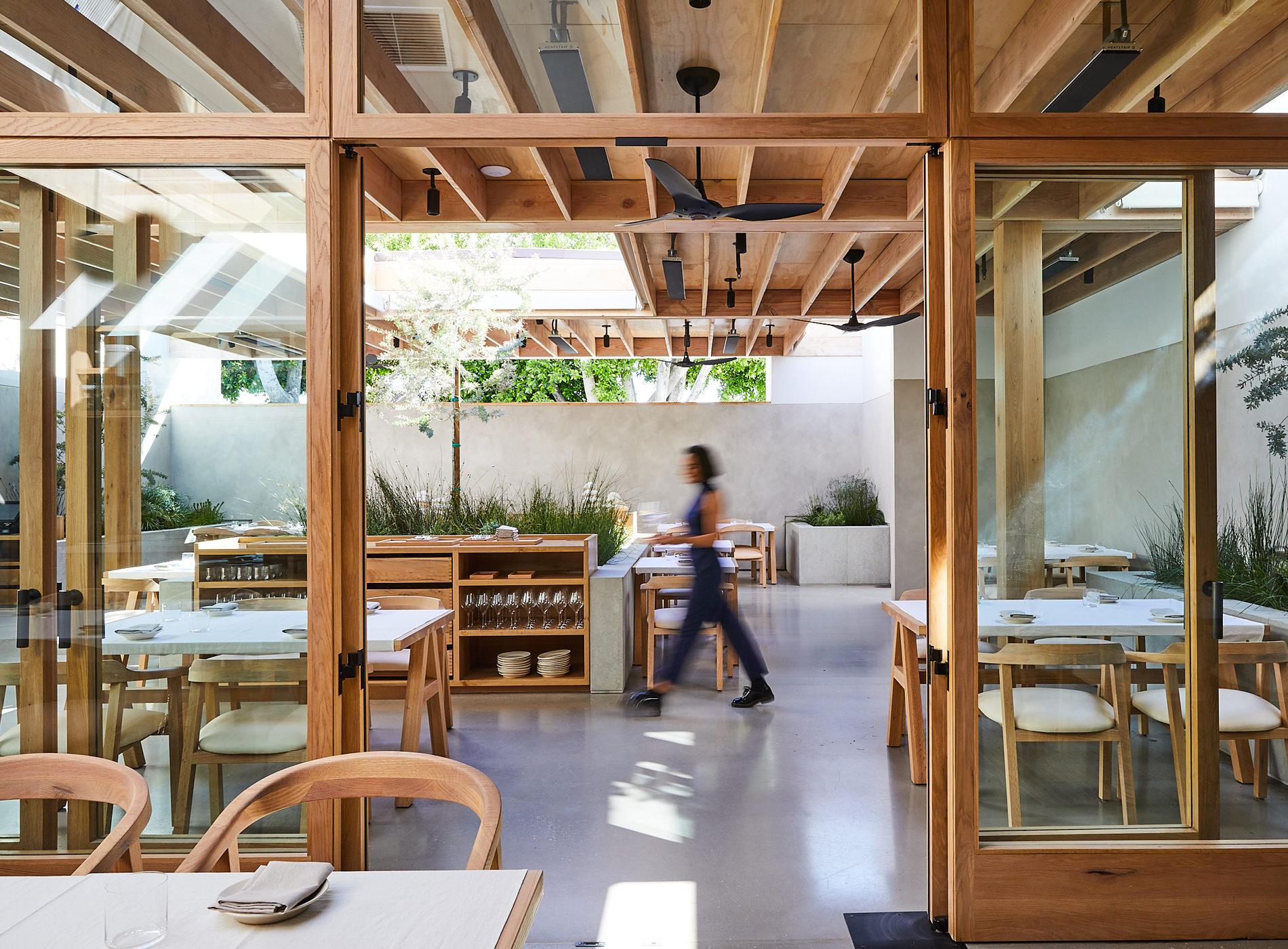 City Guide Los Angeles Auburn Restaurant Melrose Place