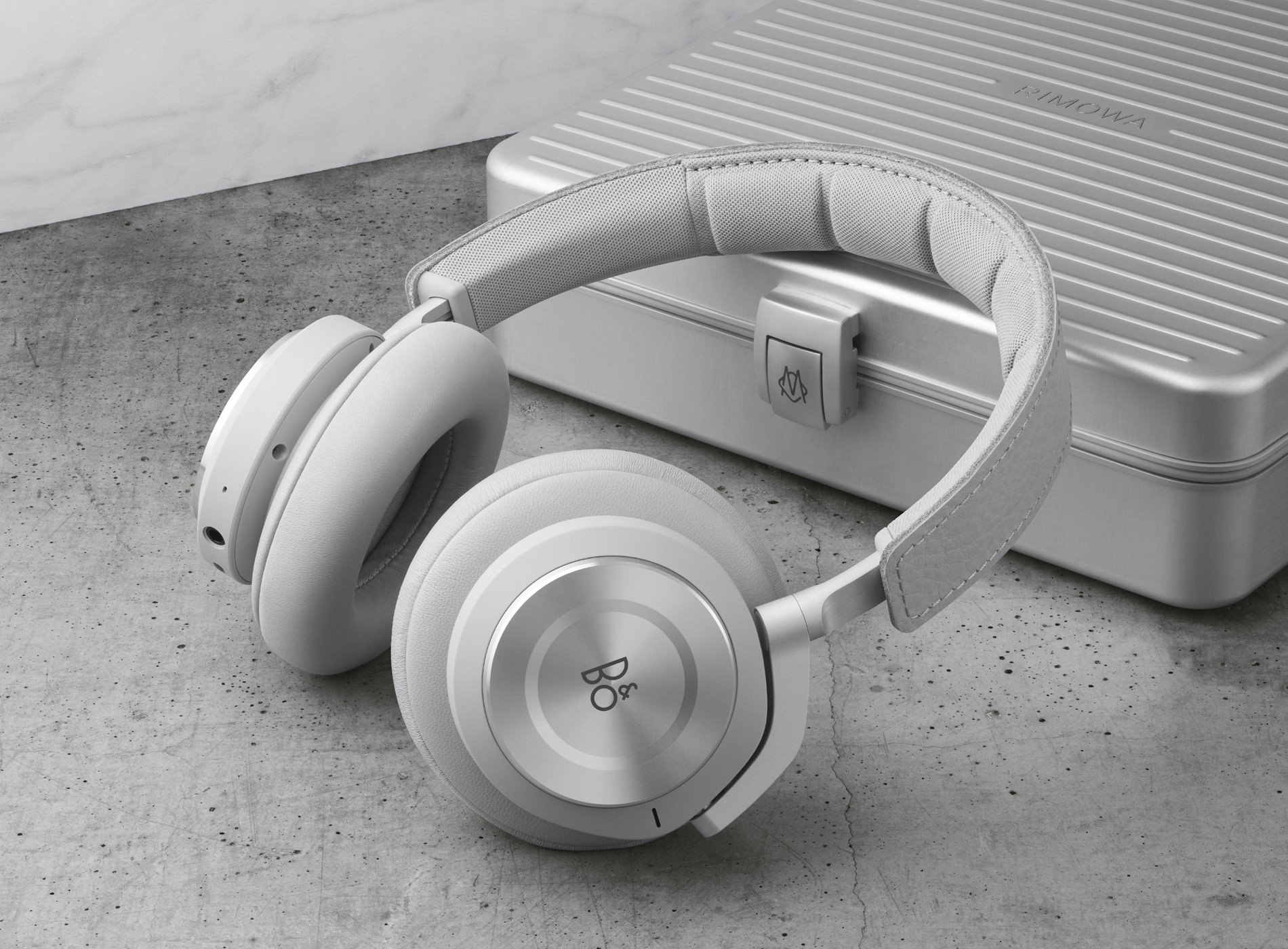 Bang & Olufsen x Rimowa Edition Limitée Beoplay H9i