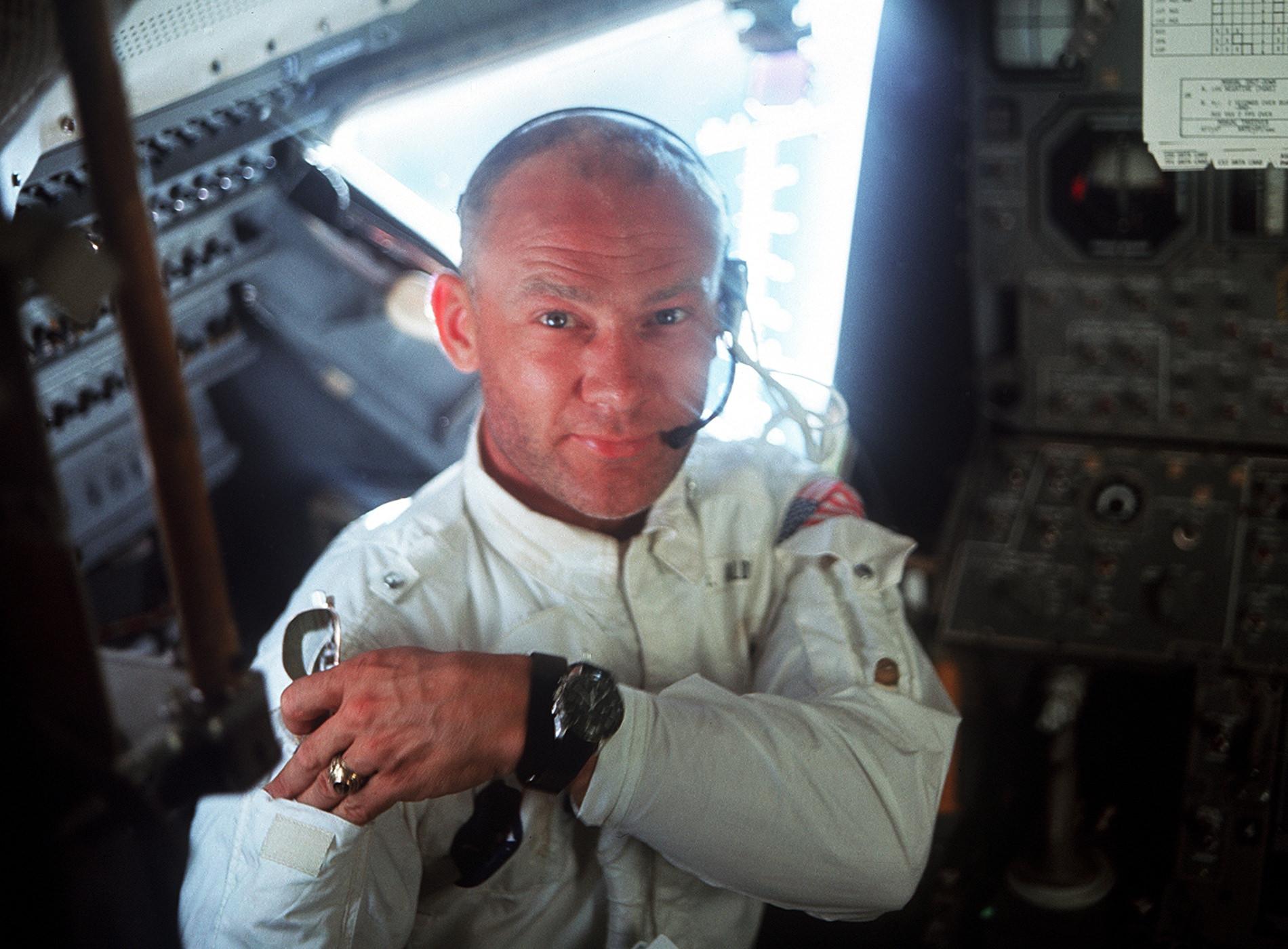 Apollo 11 Atterrissage Lune Edwin Aldrin Portrait Intérieur Module Lunaire