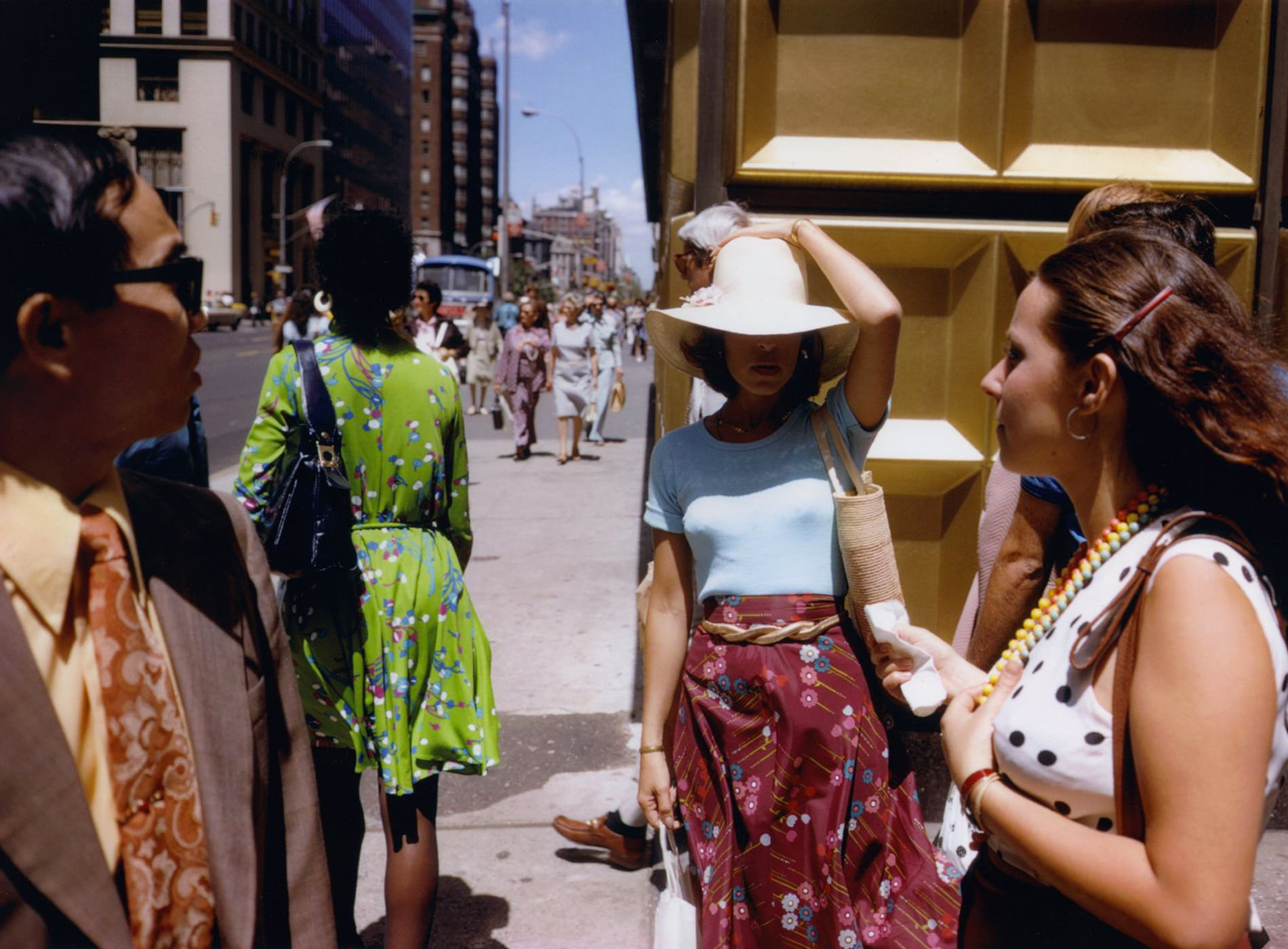 Joel Meyerowitz, Gold Corner, New York City, 1974