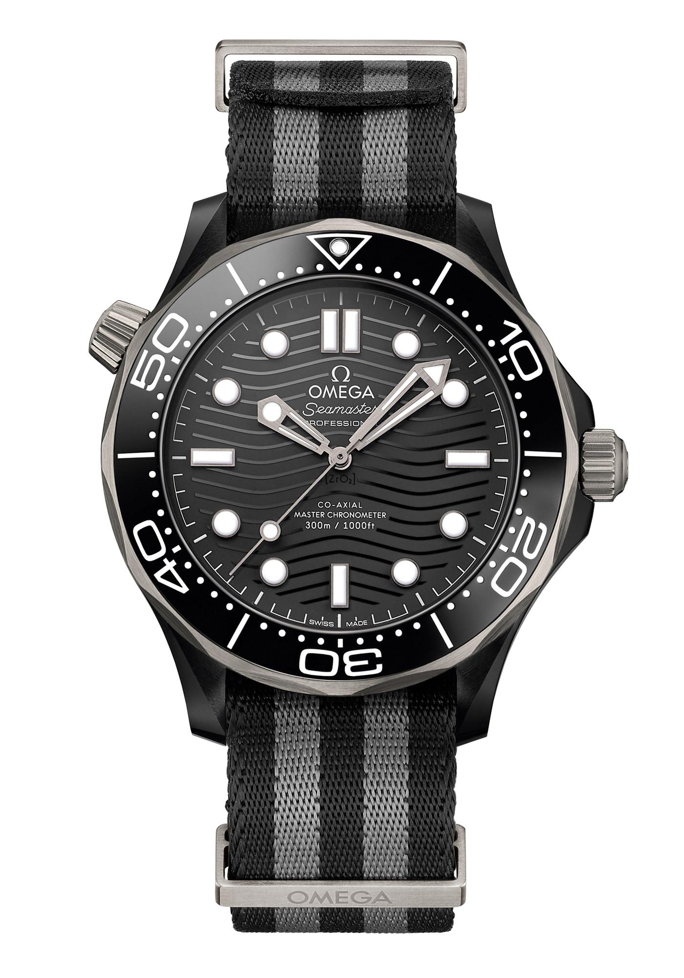 Montre Omega Seamaster Diver 300M Céramique Titanium Bracelet NATO Gris Rayures