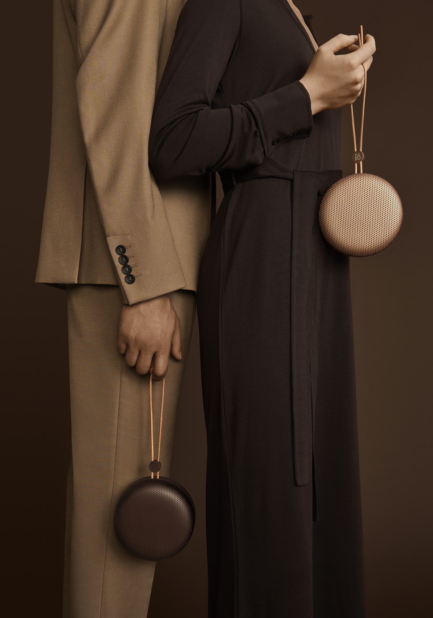 Bang & Olufsen Collection Automne Hiver 2019 Beoplay A1 Chestnut Tan Mood