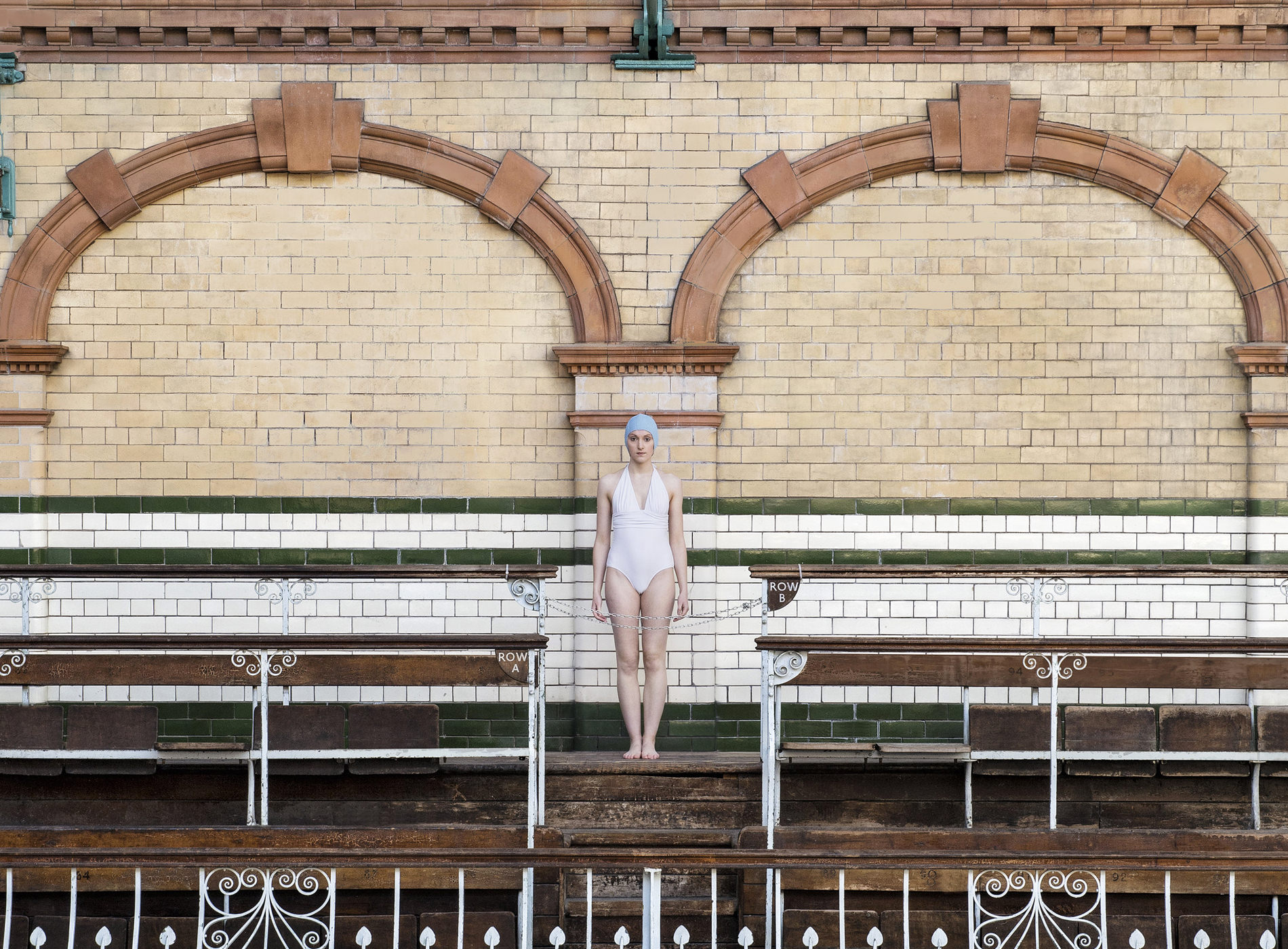 Photographie Soo Burnell Poolside Series Manchester London Glasgow Paris