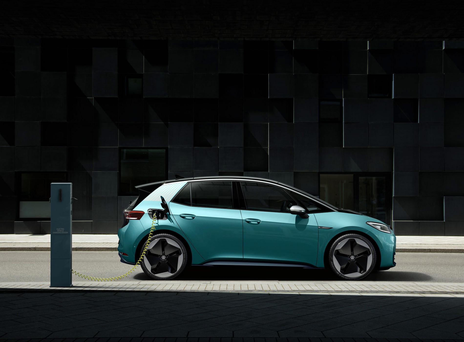 Volkswagen ID.3 Voiture Electrique Borne Recharge