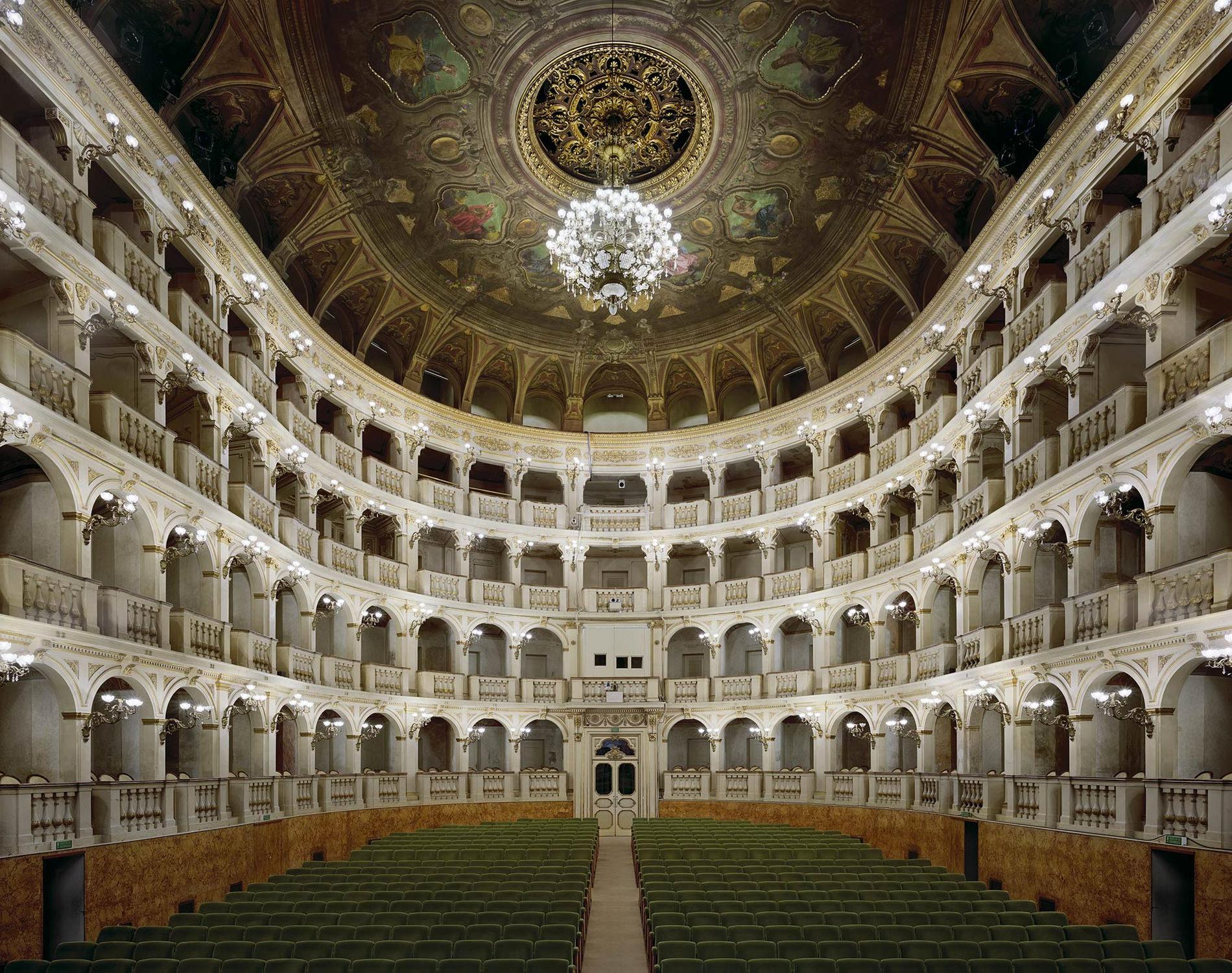 Opera Teatro Comunale Di Bologna Bologne Italie 2010