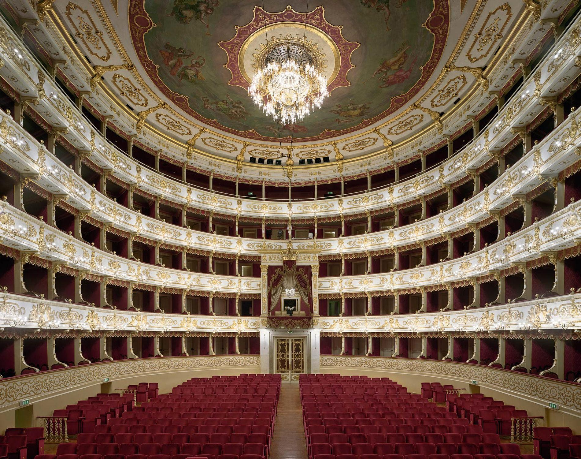 David Leventi Serie Photographie Opera Teatro Regio Di Parma Parme Italie 2010