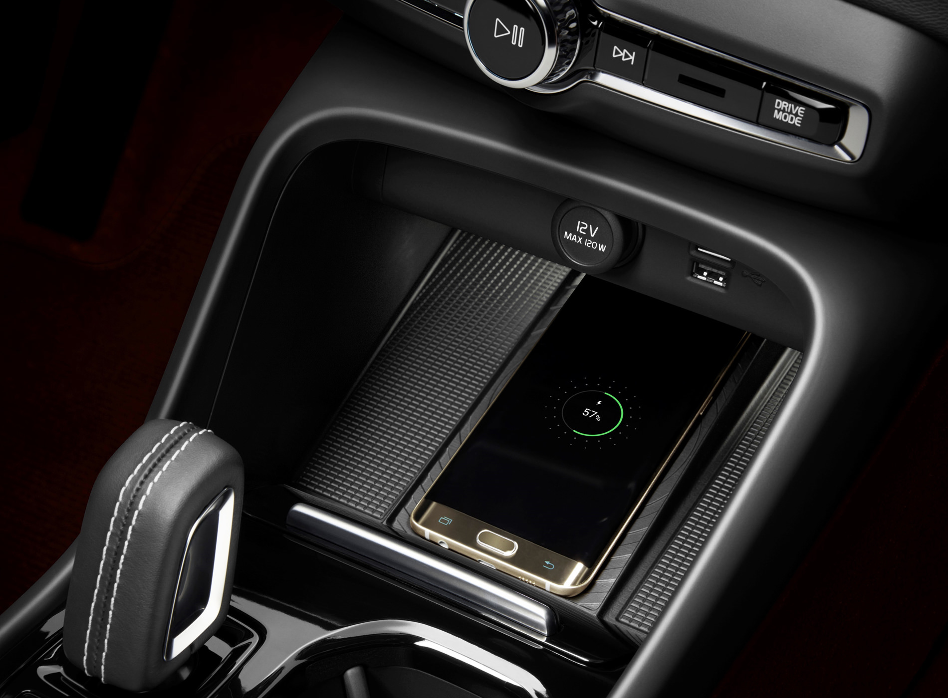 Volvo CX40 Recharge Voiture Electrique Détails Design Intérieur