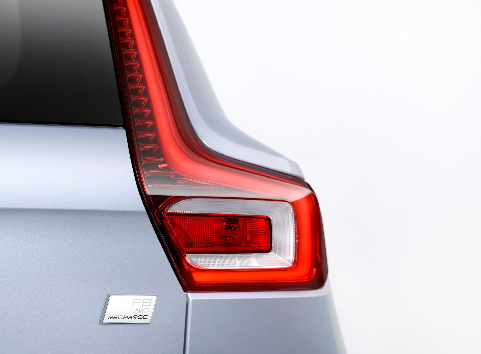 Volvo CX40 Recharge Voiture Electrique Détails Optiques Arrière