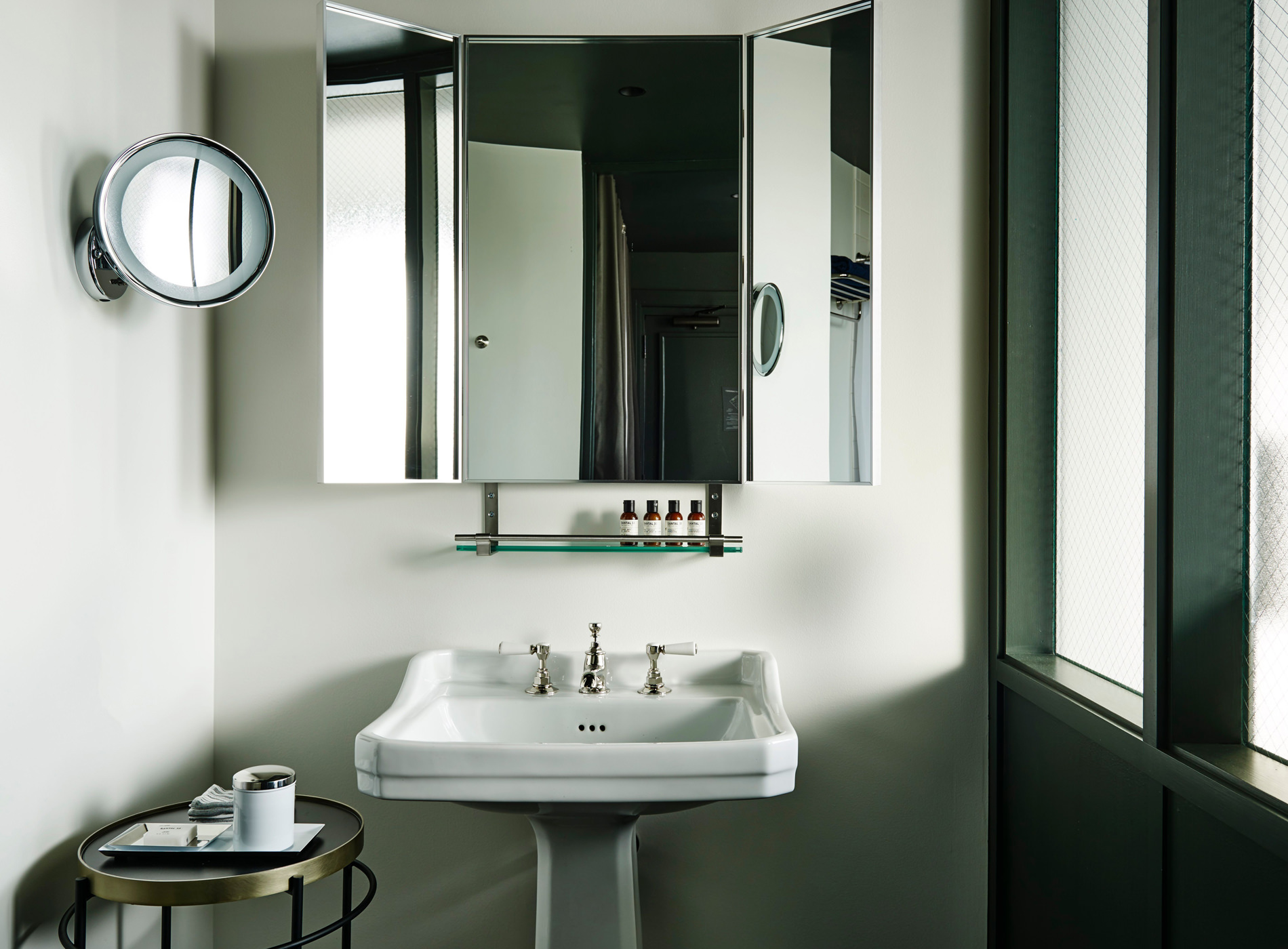 City Guide Chicago The Robey Hotel Salle Bain Landmark Queen