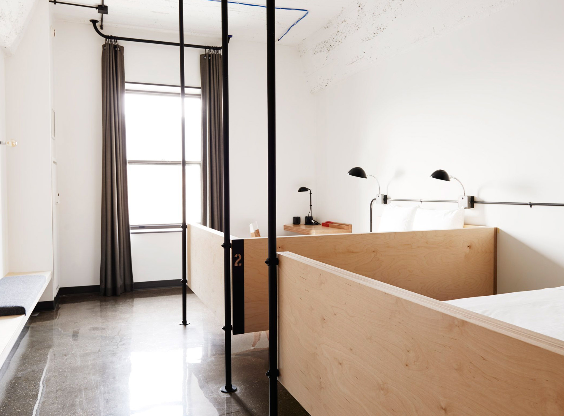 City Guide Chicago The Robey Hotel The Hollander Hostel