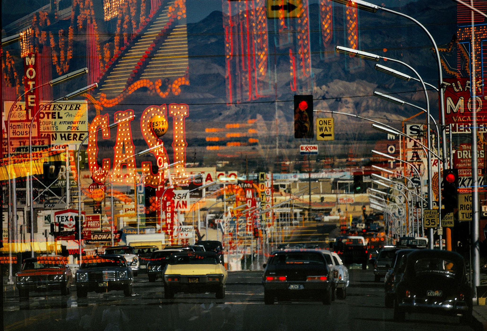 Photographie Kodachrome Harry Gruyaert Nevada Freemont Street 1982