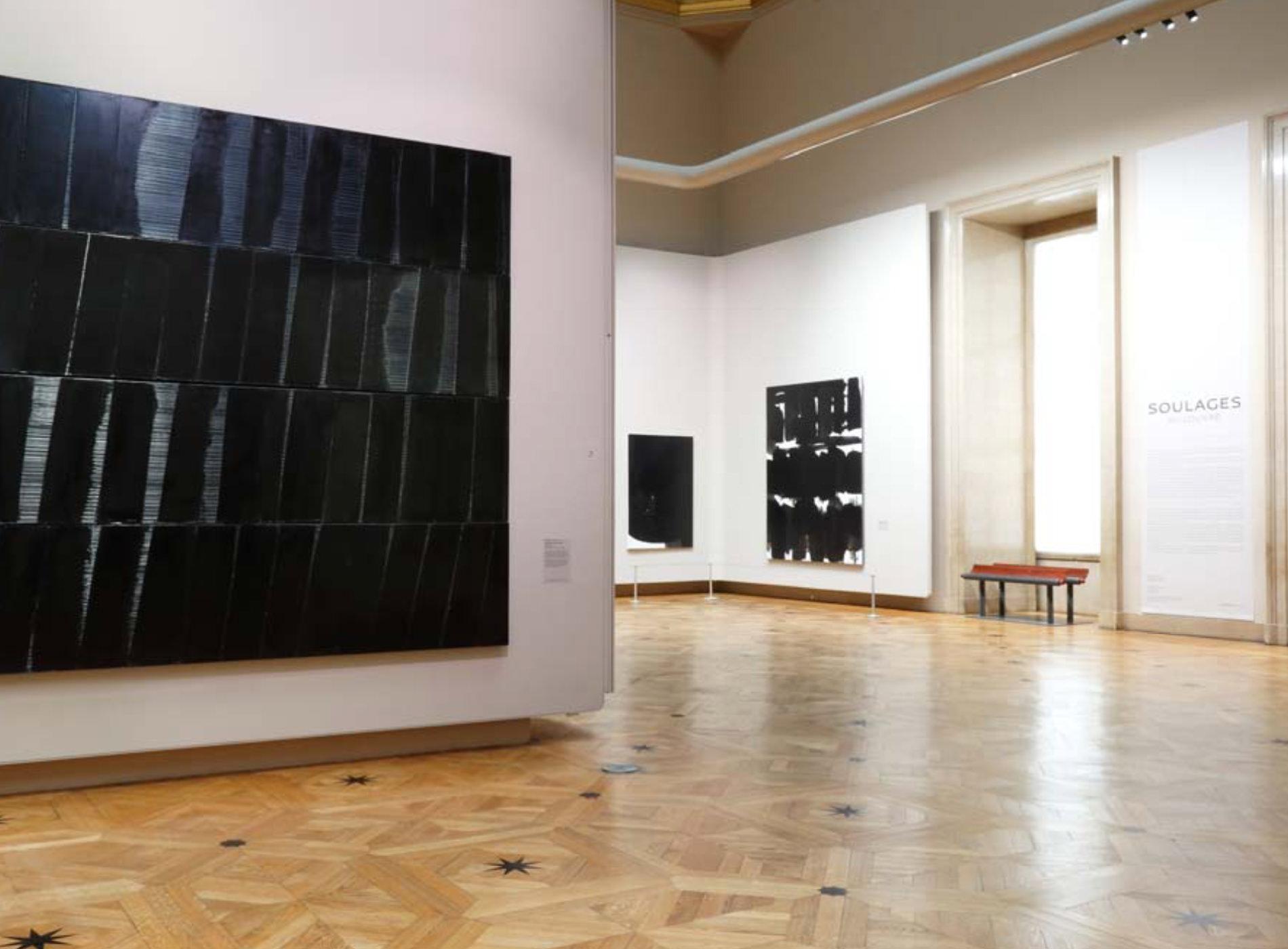 Pierre Soulages Exposition Louvre Salon Carré