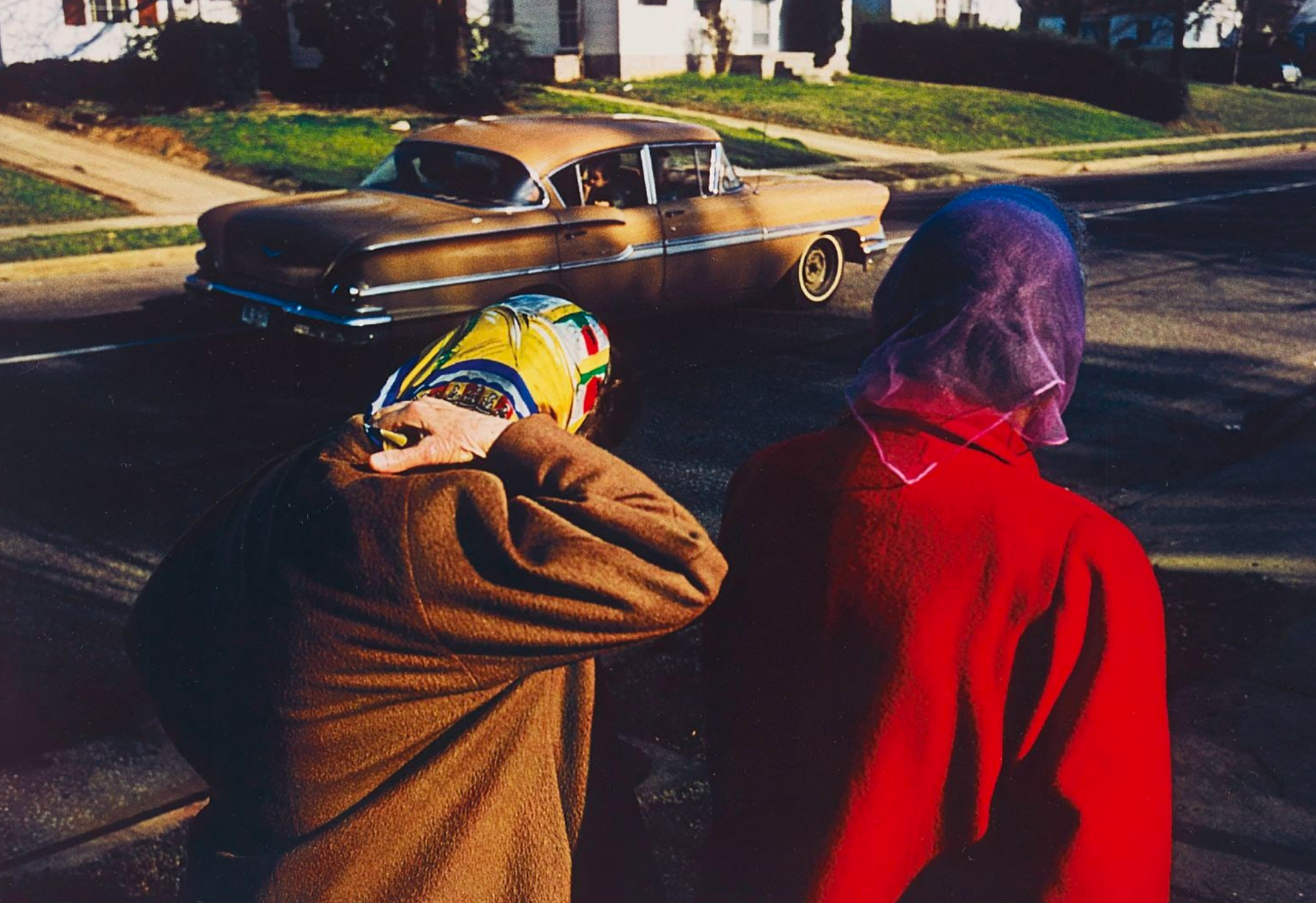 William Eggleston Photographie Untitled Two Women Wearing Head Scarves Memphis 1970