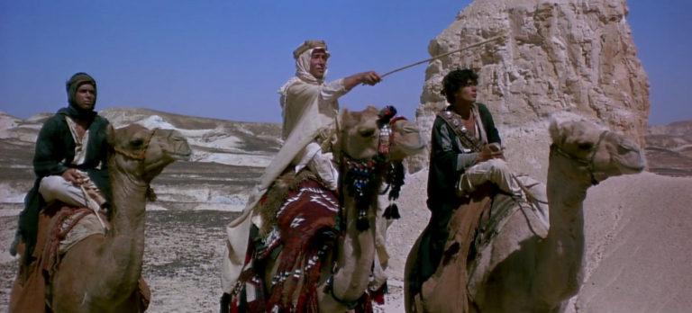 Cinéma Lawrence d'Arabie / Lawrence of Arabia par David Lean (1962) Avec Peter O'Toole, Omar Sharif, Alec Guinness, Anthony Quinn — Musique de Maurice Jarre