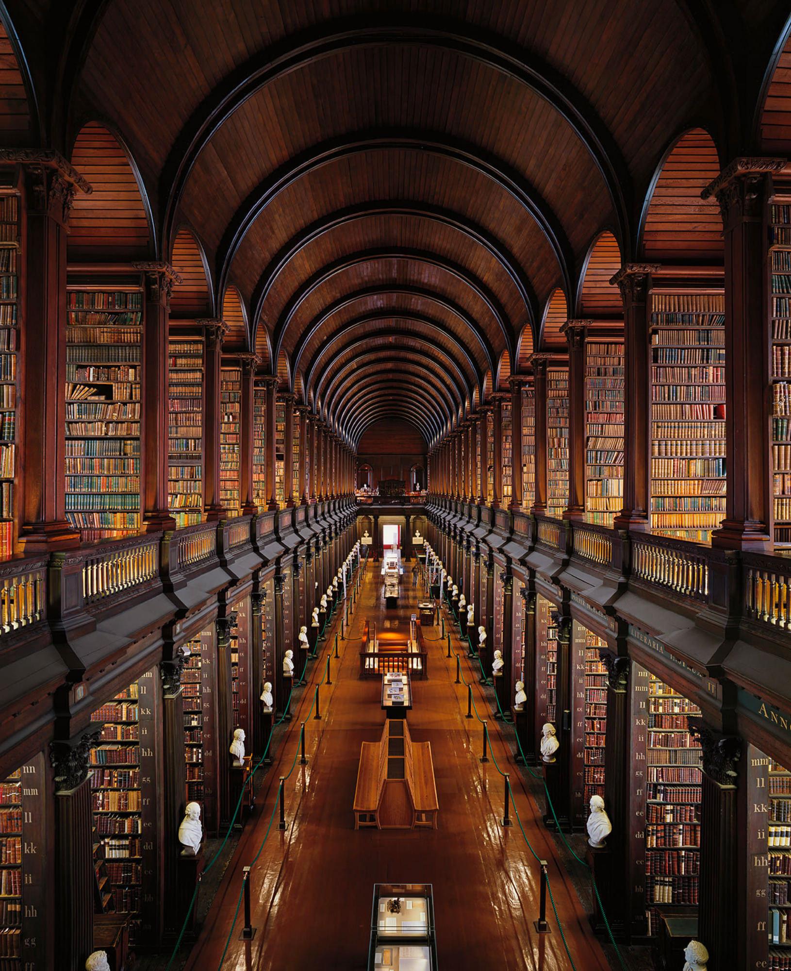 Ahmet Ertug — Bibliothèque du Trinity College, The Long Room, Dublin