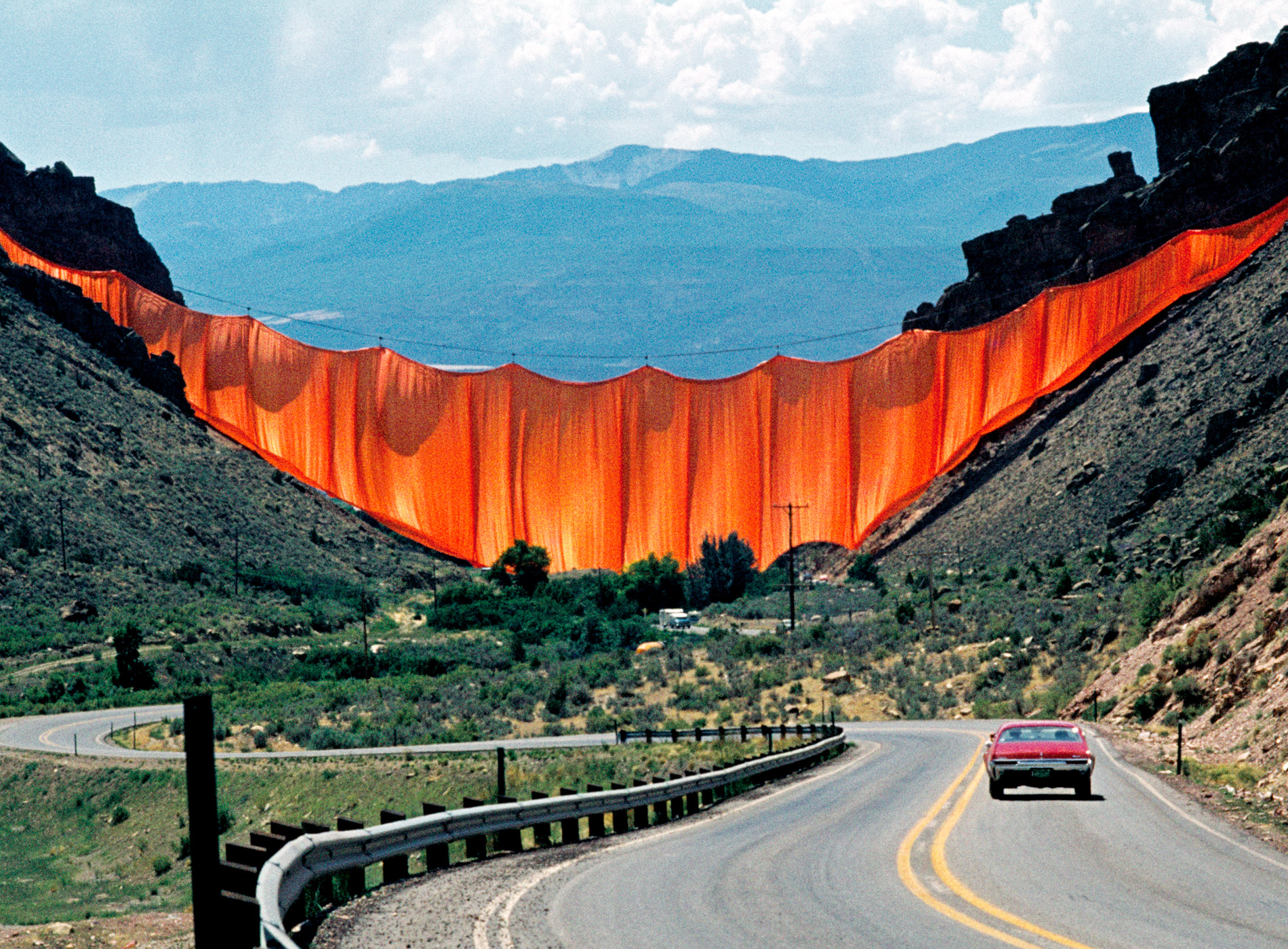 Christo. Valley Curtain, Rifle, Colorado, 1970-72