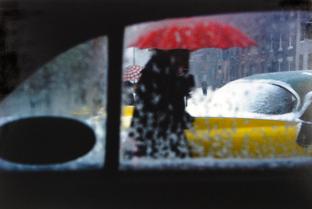 Saul Leiter Early Color Red Umbrella vers 1955