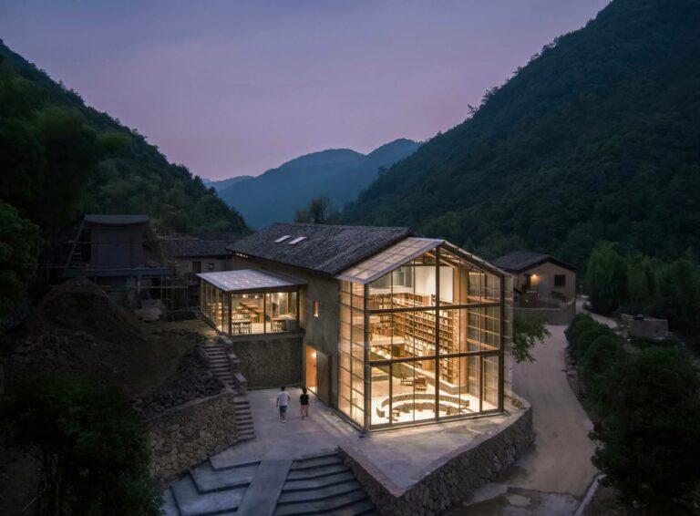 Capsule Hotel & Librairie, Village Qinglongwu, Province Zhejiang, Chine — Atelier tao+c