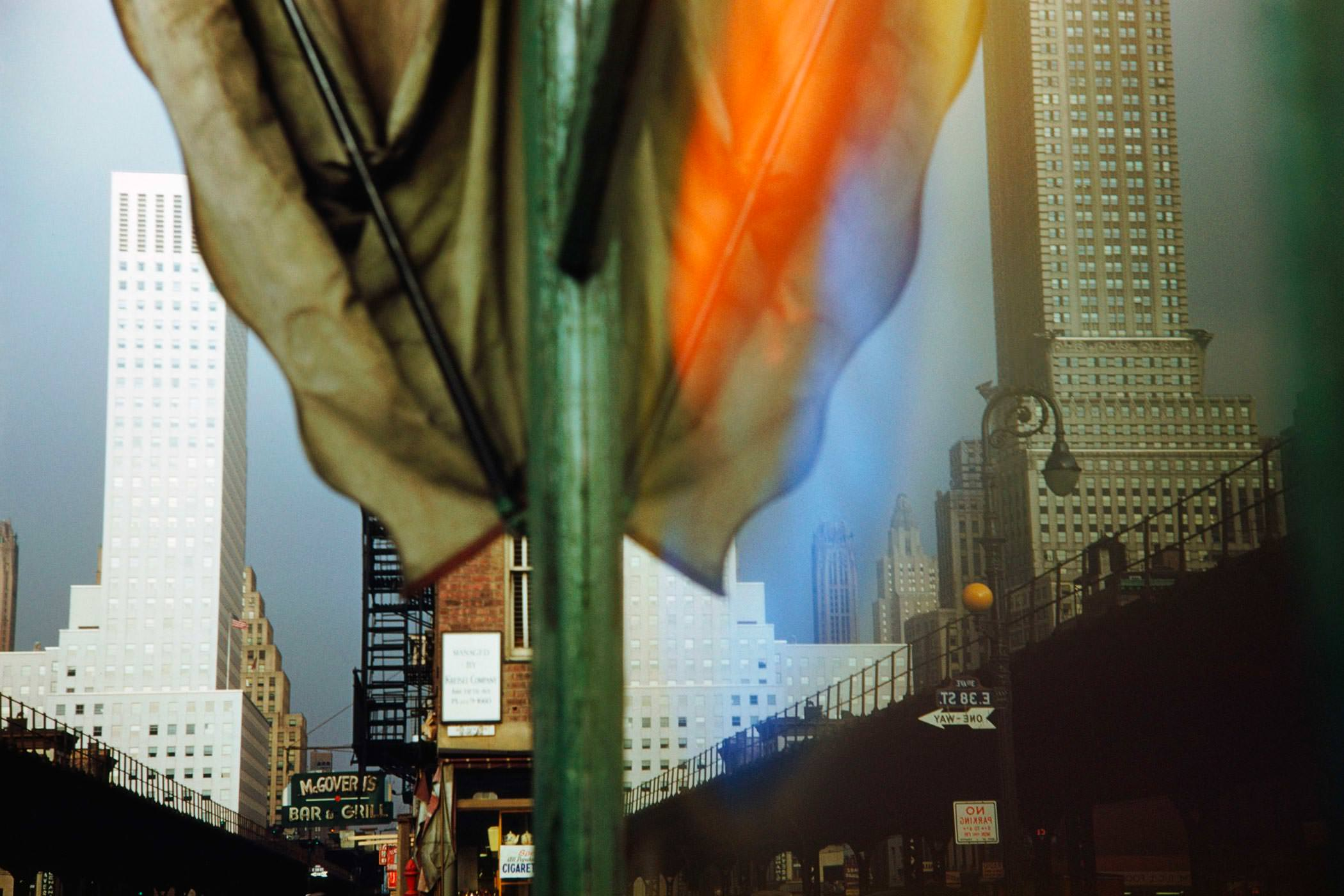 Ernst Haas Photographie, 3rd Avenue Reflection, New York City, USA, 1952