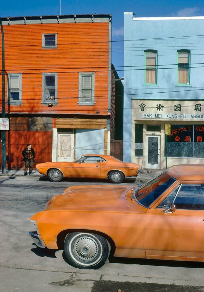 Fred Herzog, Photographie Sélection Portfolio ©The Estate Fred Herzog — Orange Cars, Powell, USA (1973)