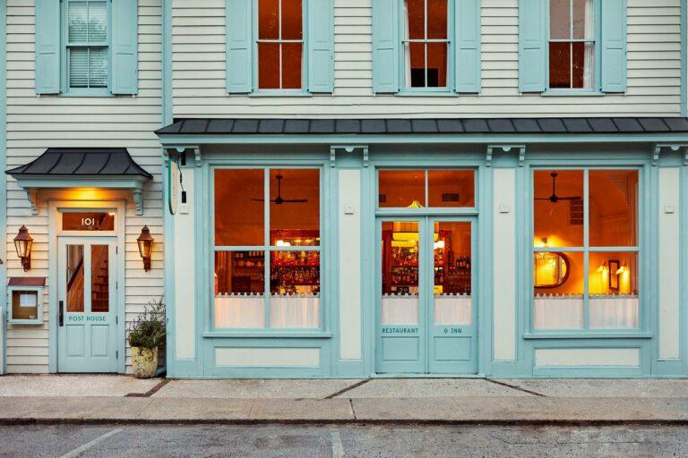The Post House Inn & Restaurant, 101 Pitt Street, Old Village, Mount Pleasant, Caroline Du Sud, USA